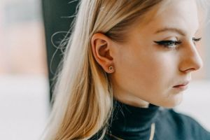 Lini Earrings Hexagon